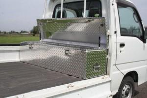 軽トラの荷台にピッタリサイズ。 両側にステンレス製ハンドル付き。